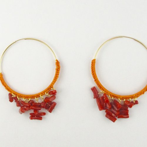 Boucles d'oreilles créoles gold-filled et corail rouge, tressage file de jade orange