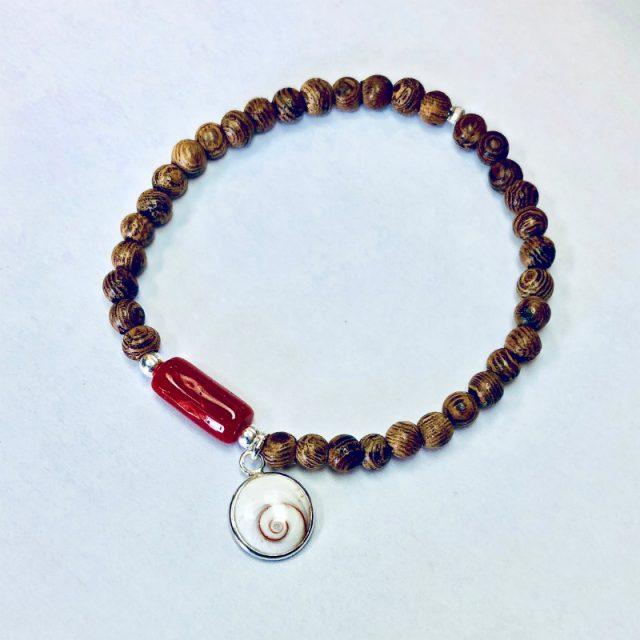 bracelet corail bois de santal et oeil de Sainte Lucie de Méditerranée