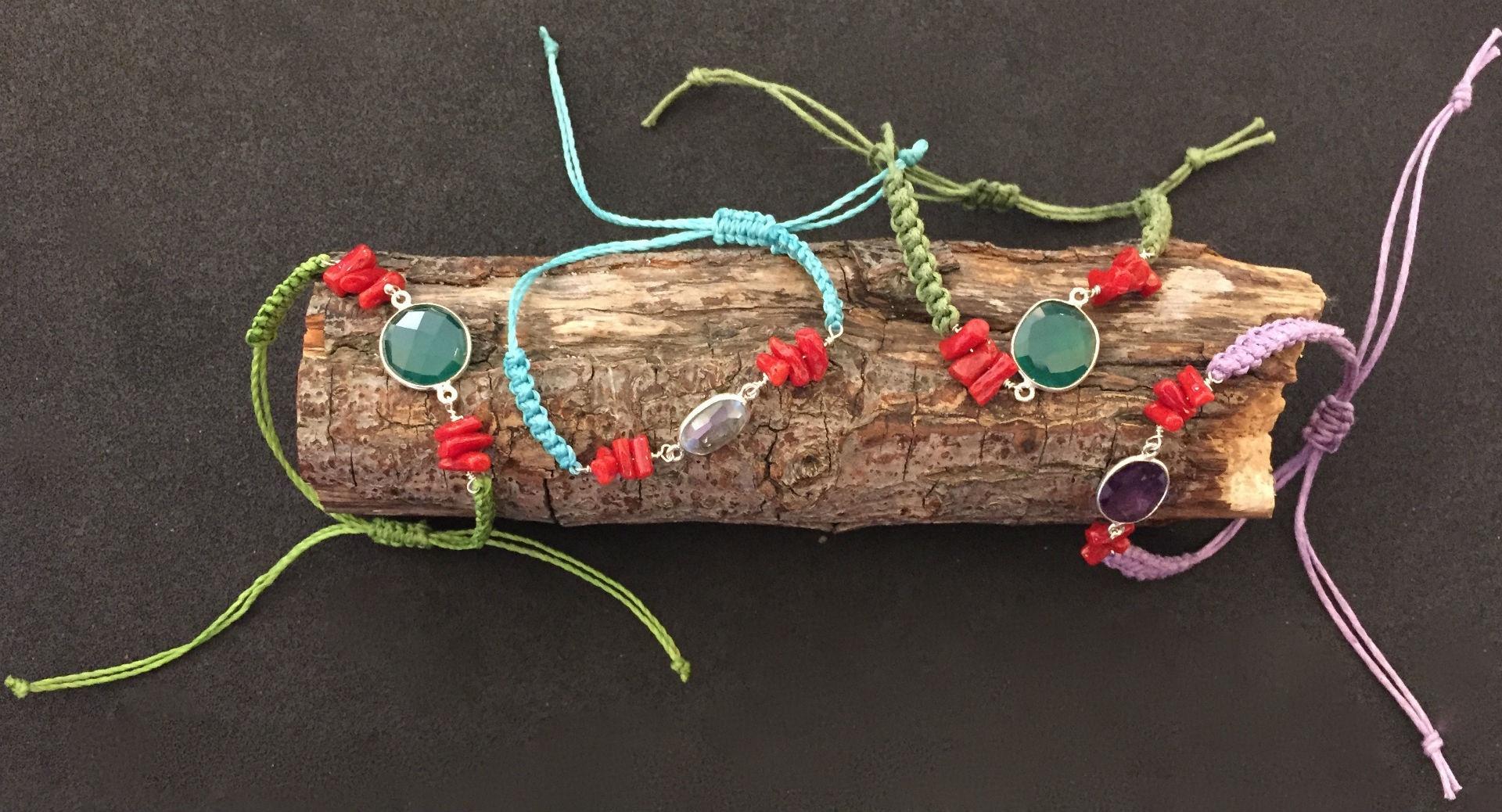bracelet en perles de v ritable corail rouge de. Black Bedroom Furniture Sets. Home Design Ideas