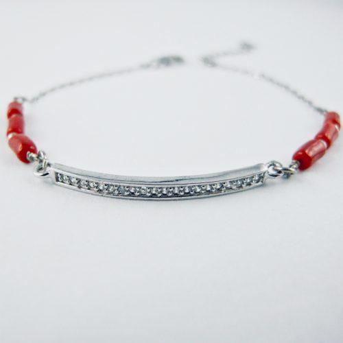 Bracelet barrette de zircon et de véritable corail rouge de Méditerranée,sur chaine forçat, monté avec fermoir argent 925/1000e