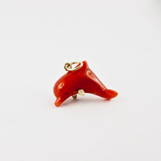pendentif dauphin piccolo corail rouge et or