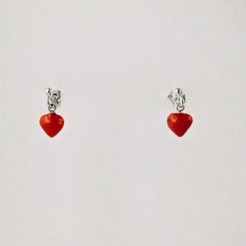 Boucles d'oreillespetit coeur en véritable corail rouge de Méditerranée, suspendu à une puce en argent 925/1000e