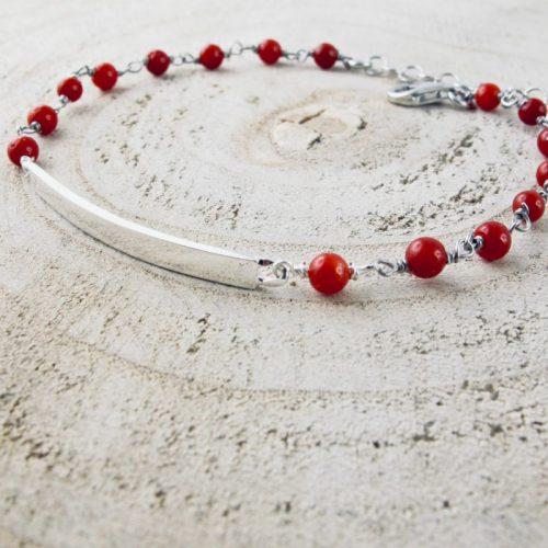 Bracelet gourmette, composé de perles 3 mm de véritable corail rouge de Méditerranée, en argent 925/1000 , anti allergique (sans nickel), avec traitement anti ternissement